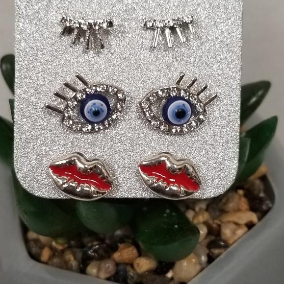 💟 3/30  Evil Eye earings 3 pairs
